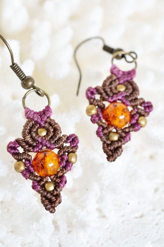 彩りマクラメピアス☆アンバーC-1- 旅する天然石とマクラメアクセサリーのお店 Macrame Jewelry MANO