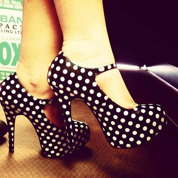Black and white pokla dot high #heel shoes