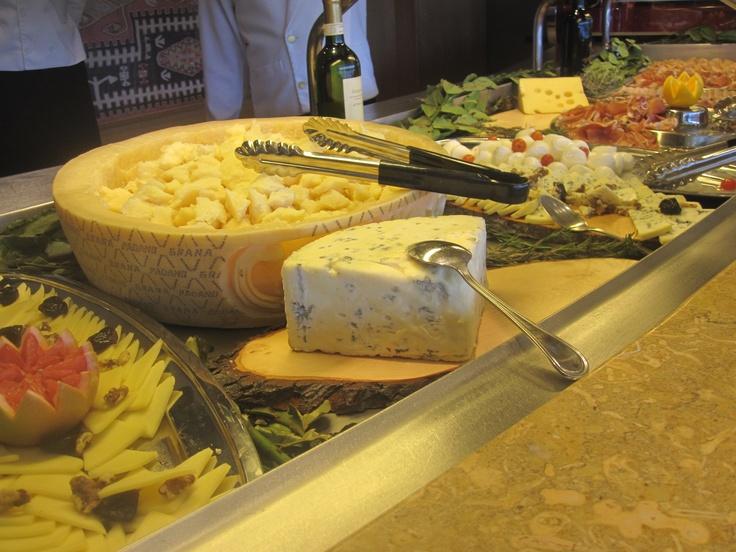 @msc_cruises_uk @msccruisesUSA #MSCMagnifica Fresh #cheese anyone?! The selection was superb! #cruise #travel