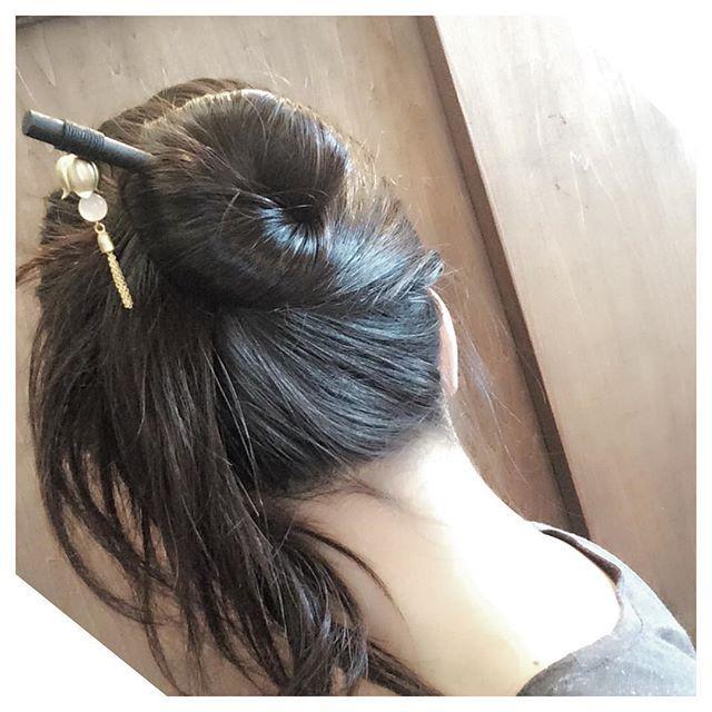 ショートヘアでもロングヘアでも使えるかんざしの挿し方やかんざしを