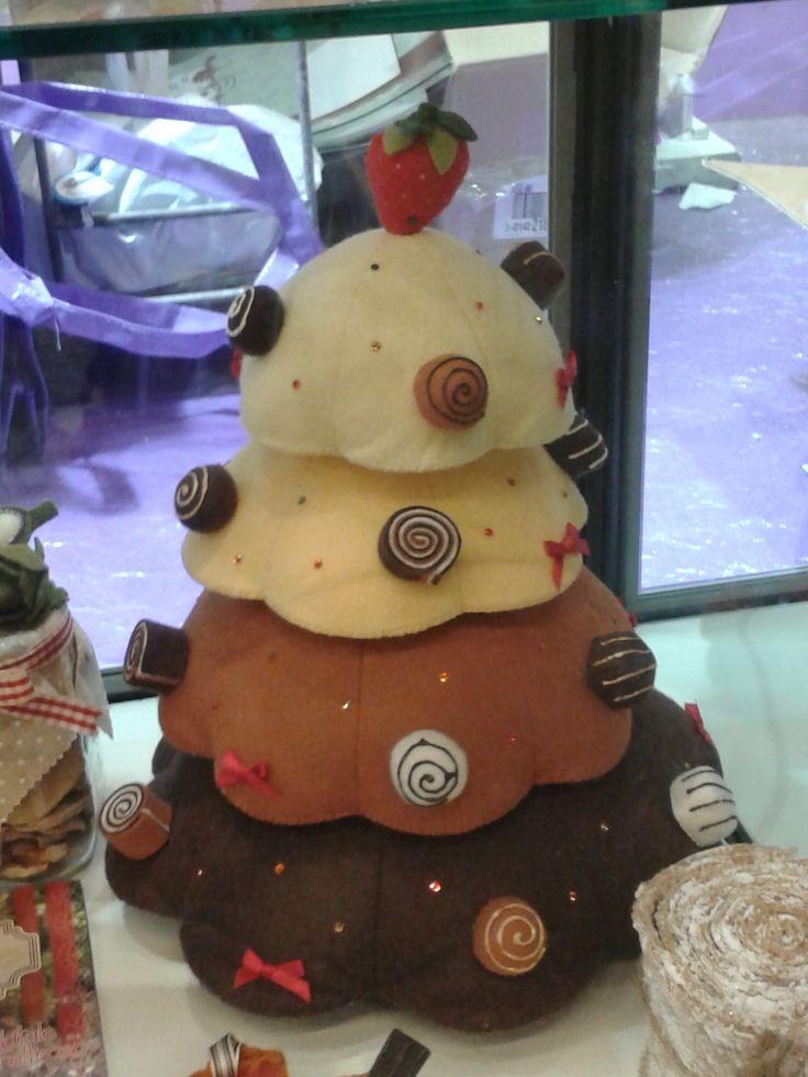 Alberello di dolci con decorazioni di girelle e glasse varie: da leccarsi i baffi!