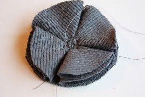 как сшить трикотажную шапочку (15)