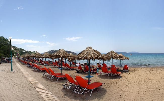 Psili Ammos beach in #Tolo, a famous resort near #Nafplio in the regional unit of #Argolida, #Peloponnese - #Greece