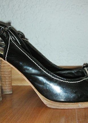 Kaufe meinen Artikel bei #Kleiderkreisel http://www.kleiderkreisel.de/damenschuhe/hohe-schuhe/113428058-sandaletten-pumps-schwarz-40-esprit-riemchen
