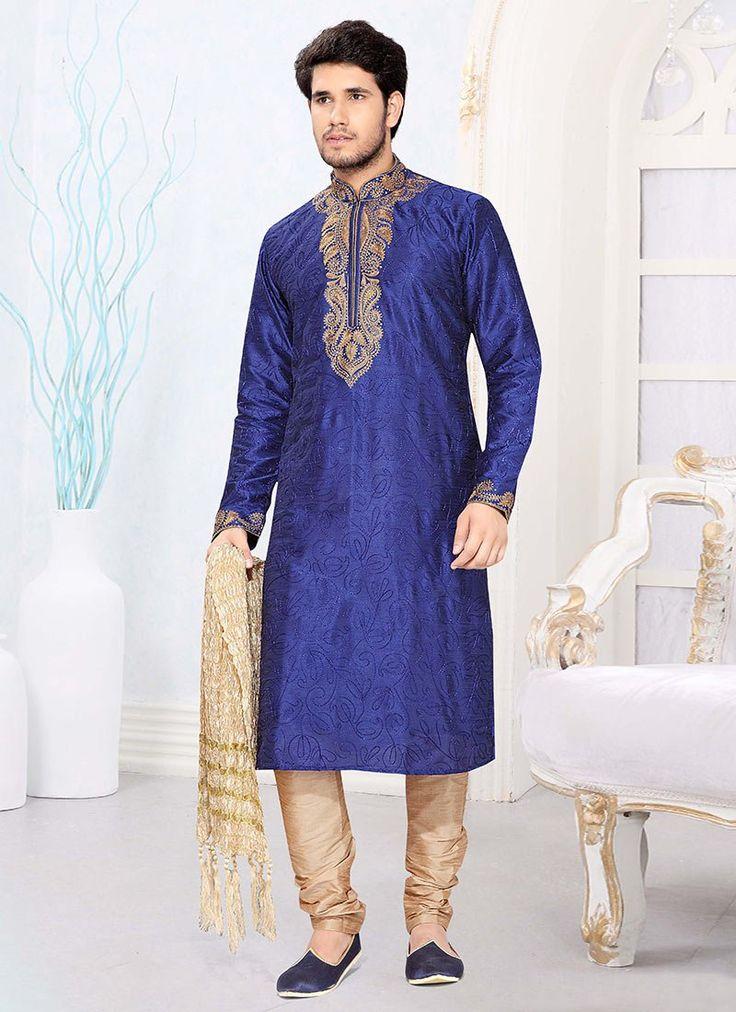 Striking Blue Kurta Pyjama  | http://www.bharatplaza.com/men/kurta-pyjama/pleasant-blue-kurta-sc1843.html