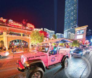 Eche un vistazo a los glamurosos lugares de interés de Las Vegas en un recorrido turístico de 3 horas en un jeep rosa descapotable (con que Las Vegas, ¿no?)... http://lasvegasnespanol.com/en-las-vegas/recorrido-nocturno-por-las-luces-de-las-vegas-en-jeep/