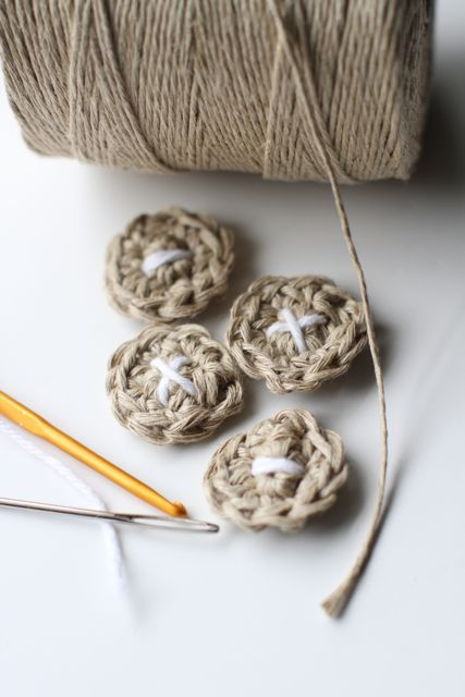 crocheted button tutorial