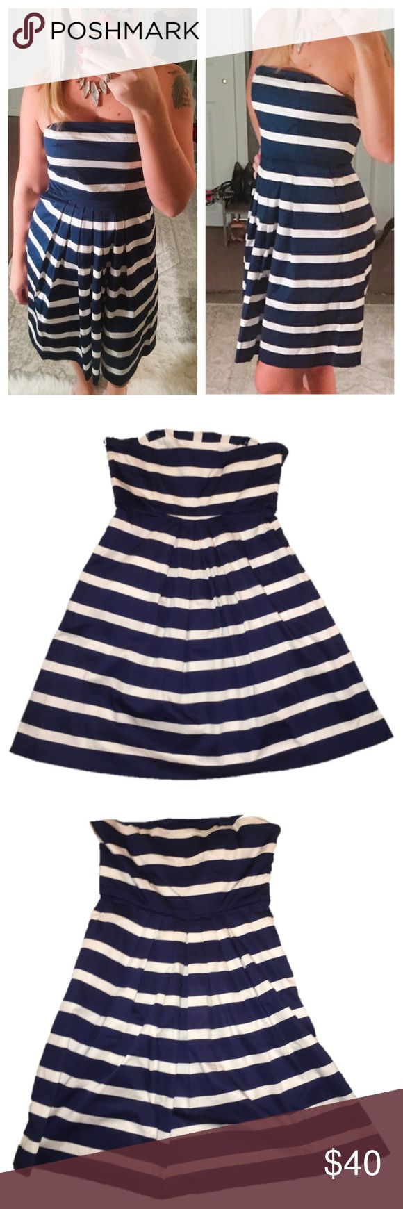 "Navy blue striped gap dress NWOT NWOT gap strapless dress , size 4. Chest: 15"" , Length: 29"", waist: 13.5"". No flaws. Has pockets but still sewn shut. GAP Dresses Strapless"