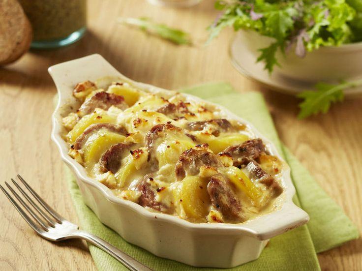 Avec les lectrices reporter de Femme Actuelle, découvrez les recettes de cuisine des internautes : Gratin d'andouillette et pomme de terre au four