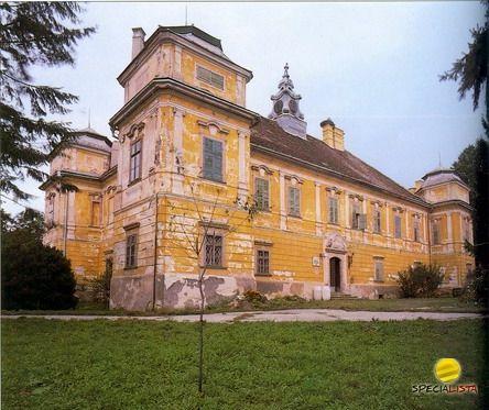 Prónay Villa - Acsa, Hungary