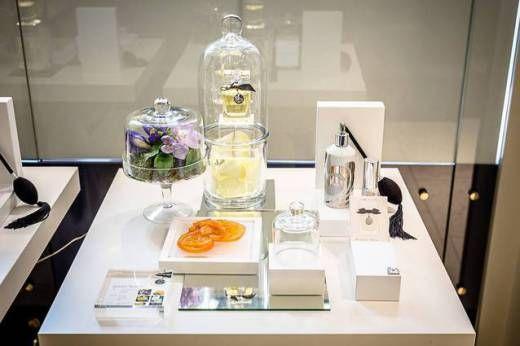 FreyWille lanseaza patru bijuterii parfumate vezi detalii aici http://sharfey.wordpress.com/category/events-2/
