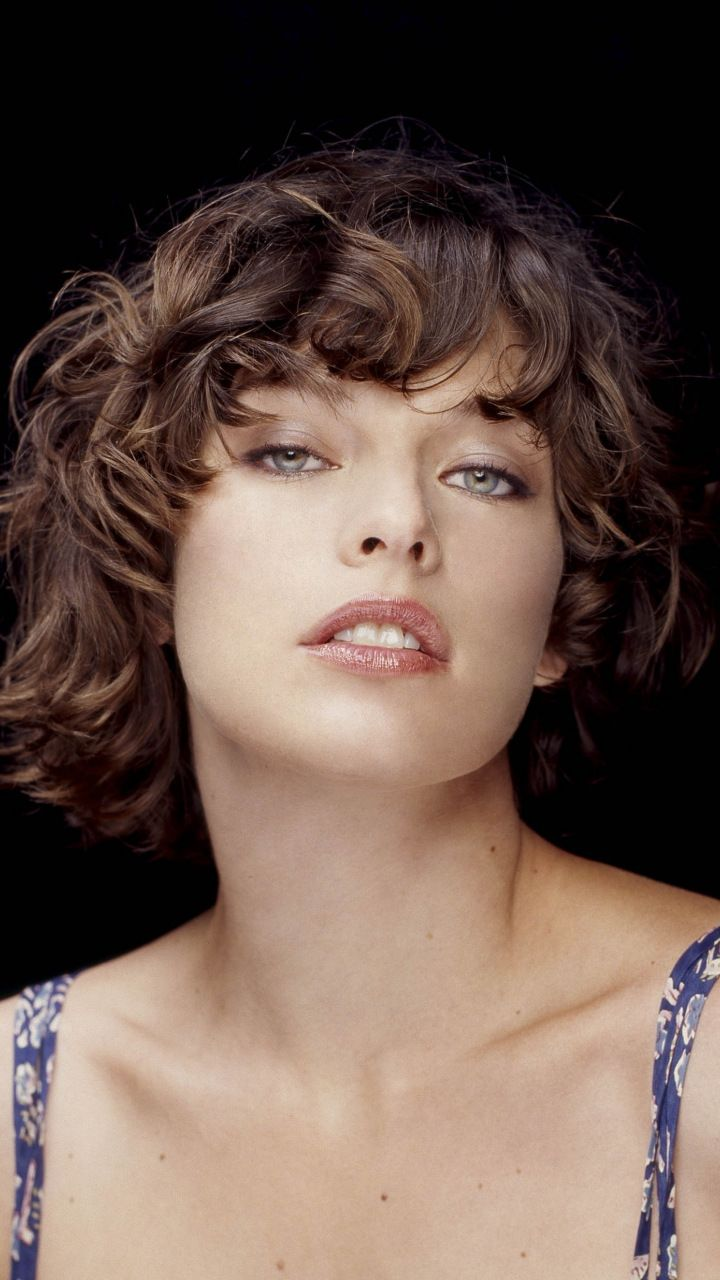 Milla Jovovich Short Brown Bob Hairstyle with Bouns Waves recommendations