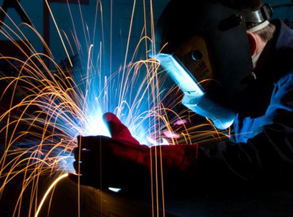 Sabías que… La soldadura MIG, significa soldadura por gas inerte de metal y utiliza un electrodo de metal que sirve como material de relleno para la soldadura y se consume durante este.