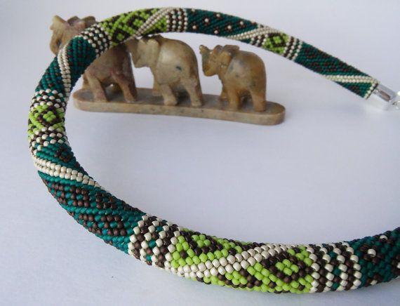 Изумрудное пэчворк ожерелье с геометрическим от ViktoriaBeads