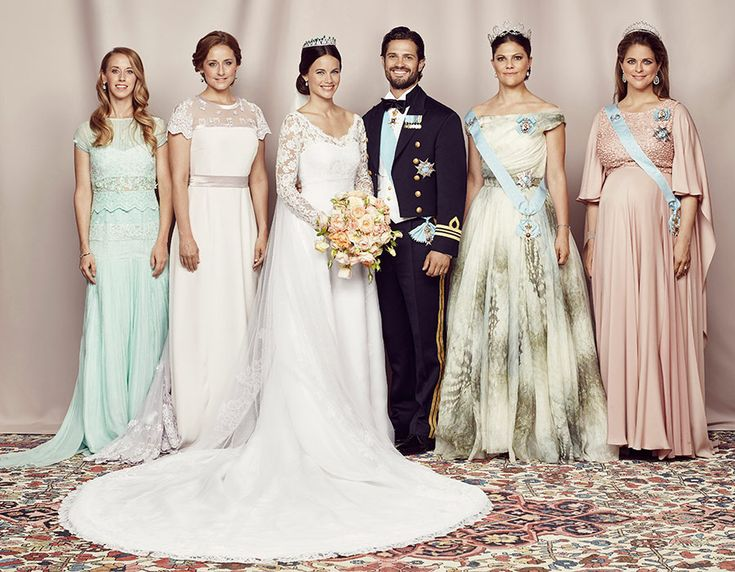 The newlyweds with their siblings: (L-R) Sara Hellqvist, Lina Hellqvist, Crown Princess Victoria and Princess Madeleine.