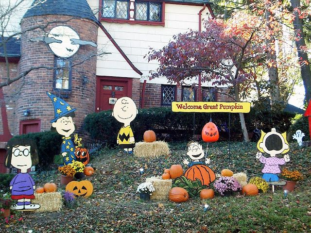 It's The Great Pumpkin Charlie Brown Yard Decorations