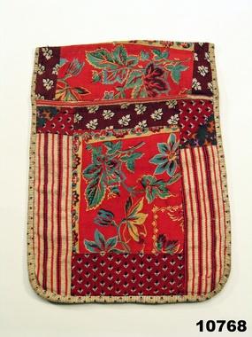 Folk costume pocket from Tådene, Västergötland, Sweden. Came to the museum 1876. http://www.digitaltmuseum.se/things/lummataska/S-NM/NM.0010768