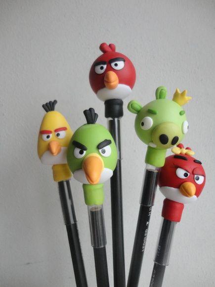 """Lembrança para aniversário  Tema """"Angry Birds""""  Os personagens também podem ser colocados sobre caixinhas em mdf ou acrílicas.  Pedido mínimo de 20 unidades R$ 4,00"""