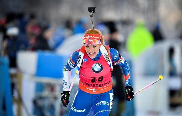 Gabriela Koukalová při sprintu SP v Östersundu.