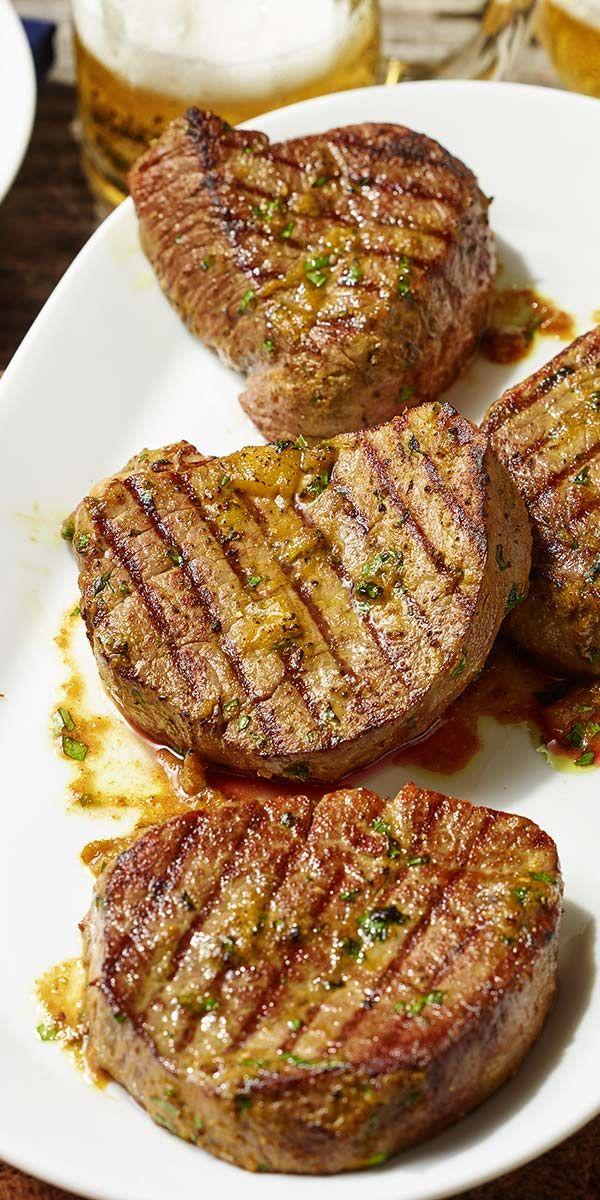 Unsere Rindersteaks mit Curry-Ingwer Marinade kannst du mit gutem Gewissen genießen, denn sie sind das perfekte Gericht bei einer Low Carb Ernährung! Die fruchtig-frische Marinade ist sehr einfach gemacht und schmeckt unglaublich gut. Probiere es aus.