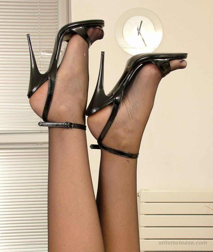 Pantyhose and sexy sandles