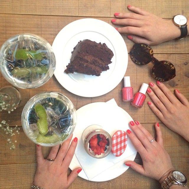 cake, chocolate, gyn tonic, strawberries, food, tasty