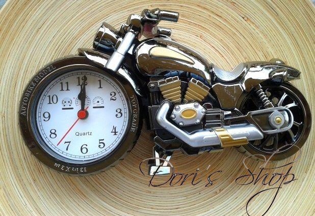 motor ébresztő óra