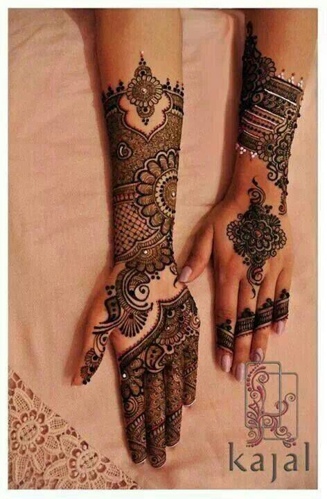 Mehndi On Fingers Only : Love the front side only fingers and center henna