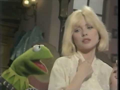 Debbie Harry & Kermit The Frog Sing Rainbow Connection together. Its Really the best version of this song. All the people Kermit could have picked to sing his signature song with, Kermit choose Debbie Harry. Smart Frog.