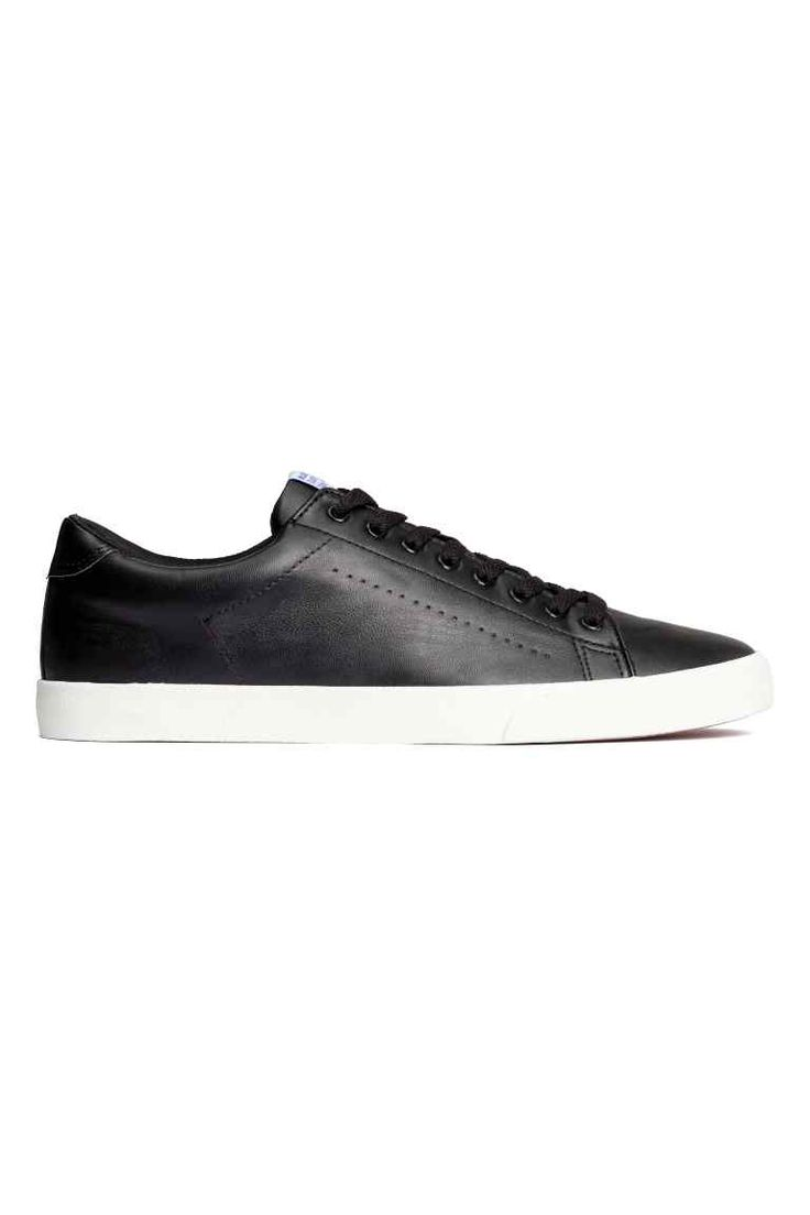 Trainers: Trainers in imitation leather with laces at the front and rubber soles.