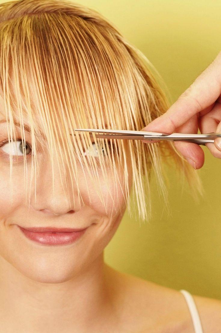 Новая прическа, свежая стрижка, уход за волосами – любимые женские заботы.