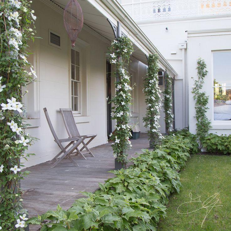 Classical garden by Eugene Gilligan Garden Design