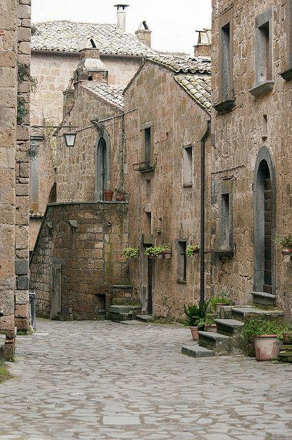 old stone street and buildings - Civita di Bagnoregio, Italy | _Nemo_ on Flickr