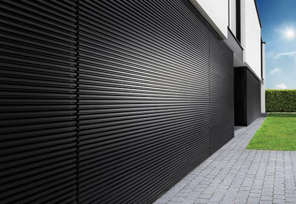 Portes de garage dans la même plan que la façade | L-Door