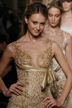 golden chic.: Zuhairmurad, Zuhair Murad, Style, Gold Dresses, Gorgeous Gowns, Runway, Stunning Dresses, Couture Fashion, Haute Couture