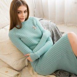 Winter dress #winterdress #womenfashion #womenoutfits #vintageboutique #vintagestyle #retrstyle #womenclothing