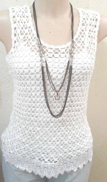 35f1386f4 Blusa de crochê com detalhes de renda. Todos os tamanhos. Moda primavera  verão.