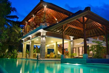 Lihat berbagai tempat luar biasa ini di Airbnb: 5 Bdr Villa,Stunning,Great Location di Denpasar