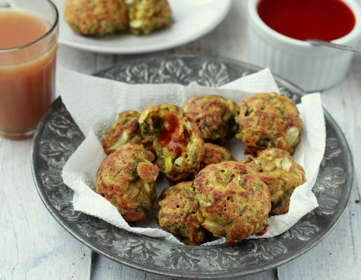 How about making Kobiche vade made using cabbage multi-grain flour and spices. These fritters are shallow fried and made delicious. Serve with Dhaniya Pudina chutney and Masala chai for Tea time. Recipe by Madhuli.   http://ift.tt/2f4KOyN #Vegetarian #Recipes
