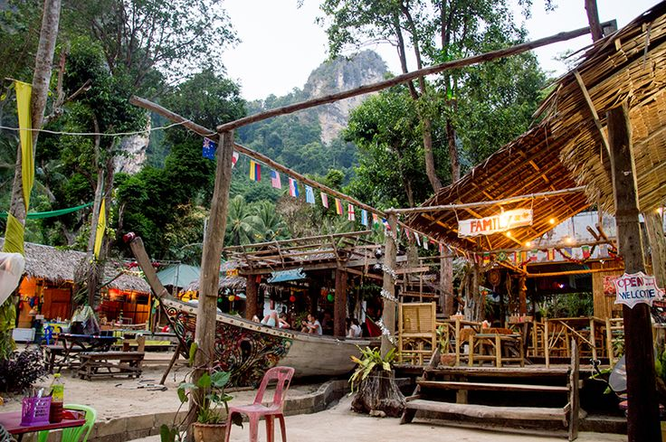 chill out bar & bungalows in Tonsai Beach, Ao Nang Bay, Krabi #Thailand by The Frenchie Abroad www.thefrenchieabroad.com