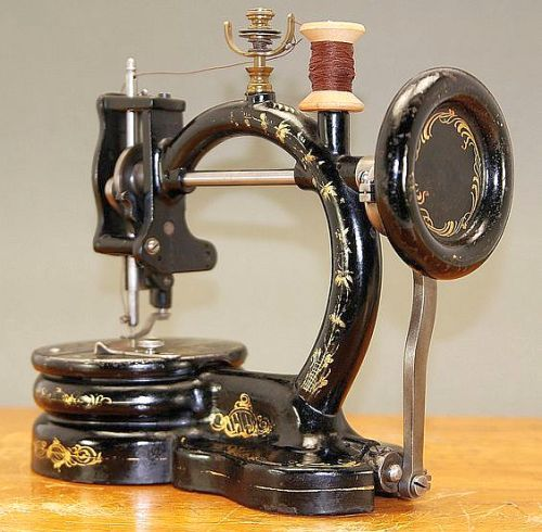 RARE ANTIQUE BUCKEYE SEWING MACHINE 1867.