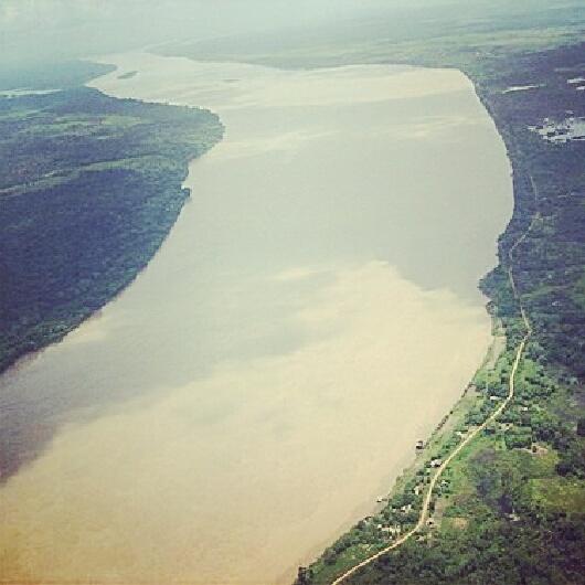 El río Madeira nace con el nombre del río Beni, en los Andes, Bolivia. Él desciende desde las montañas hacia el norte y luego obtener el río Mamoré, Guaporé, y convirtiéndose en el río Madeira - una llanura fluvial que recorre la frontera entre Brasil y Bolivia.