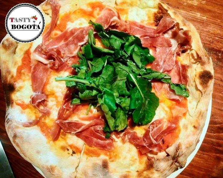 Julia: pizza de prosciutto