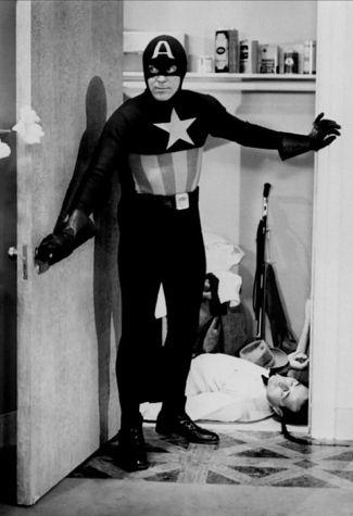 evolution costumes de super heros captain america    Evolution des costumes de super héros dans les films   x men wolverine thor superman super héro spiderman photo marvel Joker Iron Man image hulk costume captain america Batman