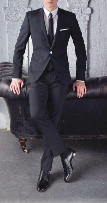 Faça seu estilo no Atelier das Gravatas® http://www.atelierdasgravatas.com.br/pagina/88ef/gravatas-slim-finas a melhor loja onde comprar gravatas online. Amplie seus horizontes de possibilidades. Curtiu!? » Try it! «  Searchable #menssuit #mensstyle #menswear #mensfashion