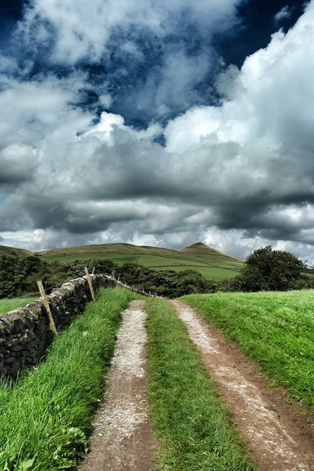 Peak District, towards Shuttingslow, Derbyshire, England. By Gm8ty Photography