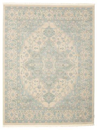 Disse vakre orientalske teppene er etterligninger av de svært populære Ziegler-teppene som stammer fra det gamle Persia. Mønsteret i teppene stammer fra antikke tepper og har ofte lysere fargetemaer enn andre orientalske tepper.