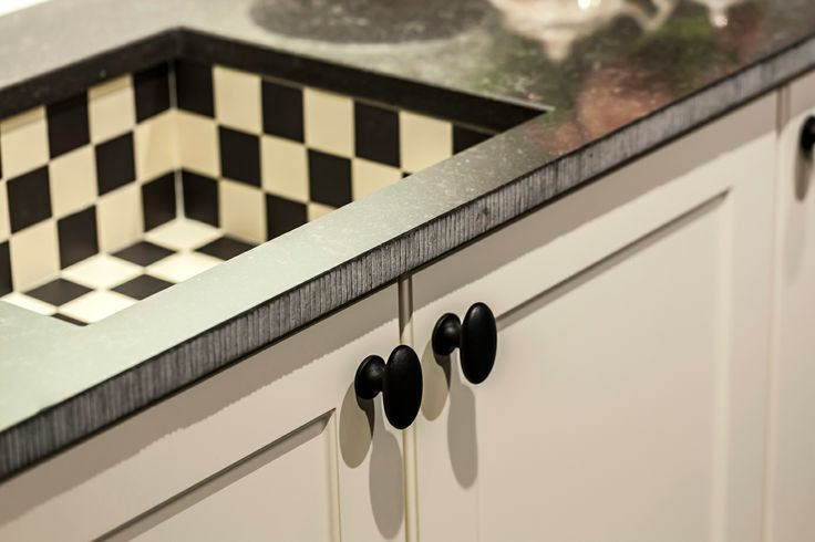 Detail: geblokte gootsteen.  | DB Keukens