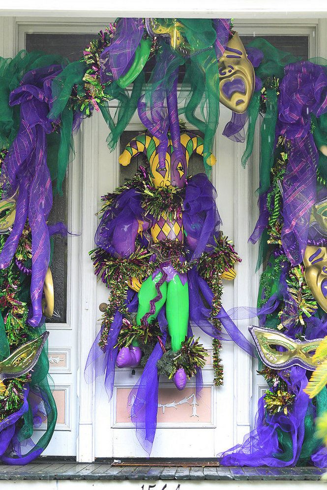 mardi gras decorations in mobile jan - Mardi Gras Decorations