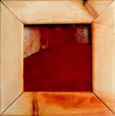 Mauro Morittu, Heart's earth, red ocher, wood, plexiglass, cm 20x20, September 2013 | Time in Space: rosso (red)
